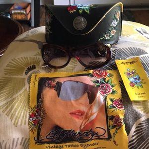 Stunning beautiful ED HARDY sunglasses